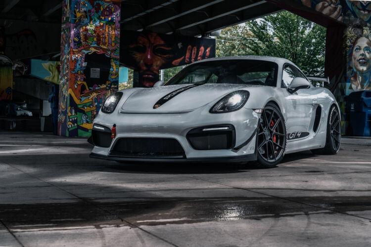 2016 Porsche GT4 – FR8