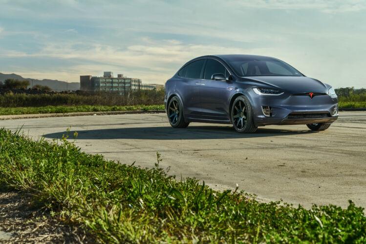 2018 Tesla Model X – FR1