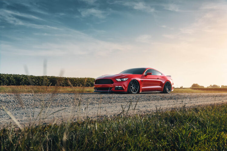 2016 Ford Mustang Red – FR4
