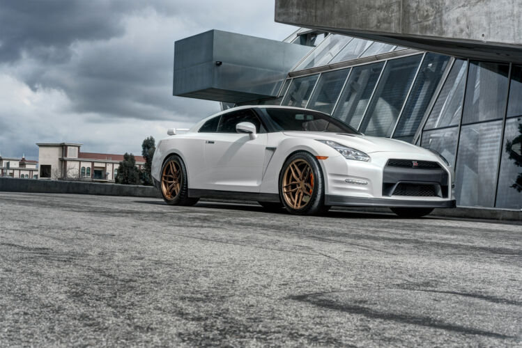2016 Nissan GTR – FR5