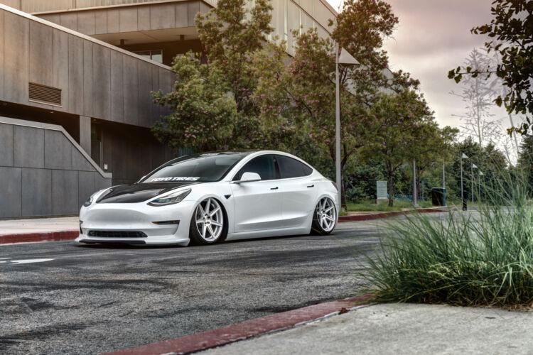 2018 Tesla Model 3 – FR7