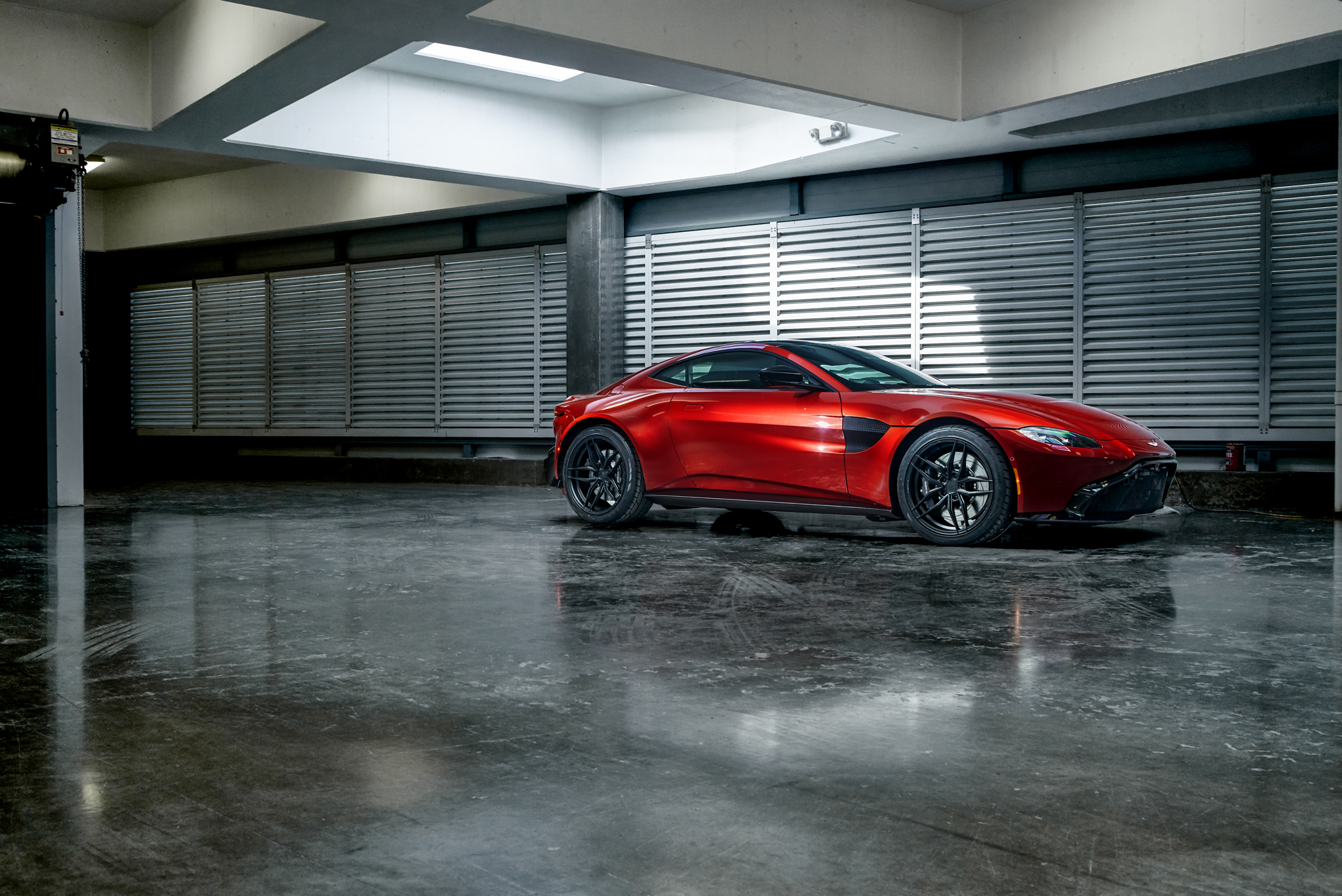 2019 Aston Martin Vantage Fr5 Ferrada Wheels