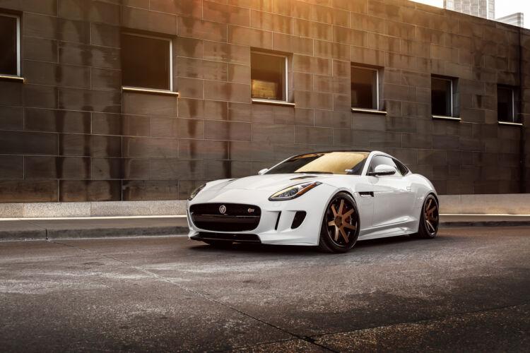 2015 Jaguar F-Type – FR1