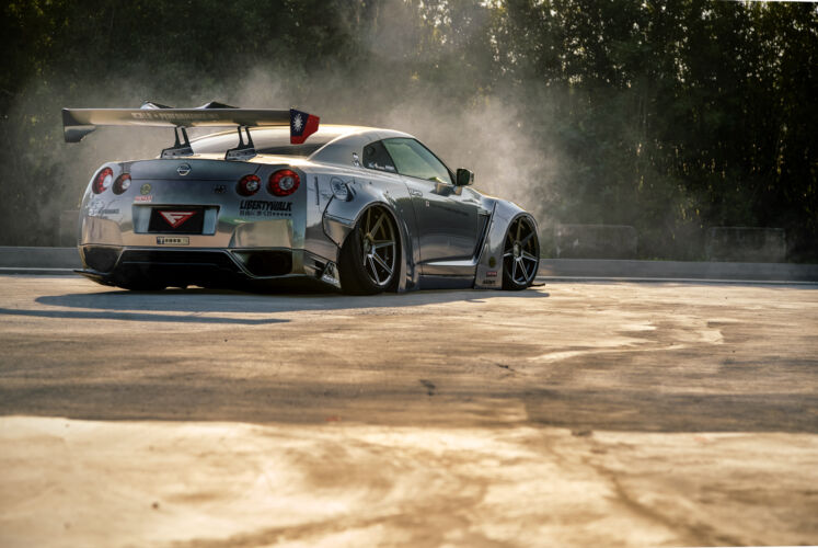 2016 Nissan GTR LBW – FR7