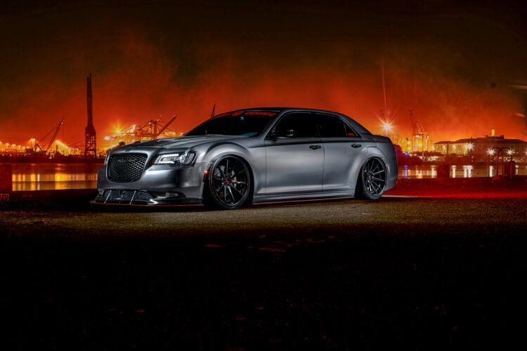 2017 Chrysler 300 – FR4